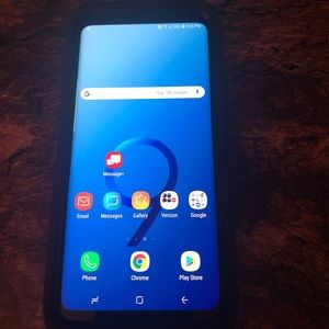 Galaxy 9s+  No cracks or scratches